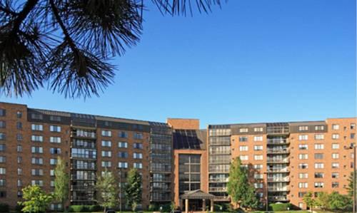 hotel Four Seasons Beachwood Apartments by BridgeStreet
