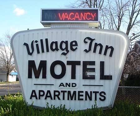 hotel Village Inn Motel Holt