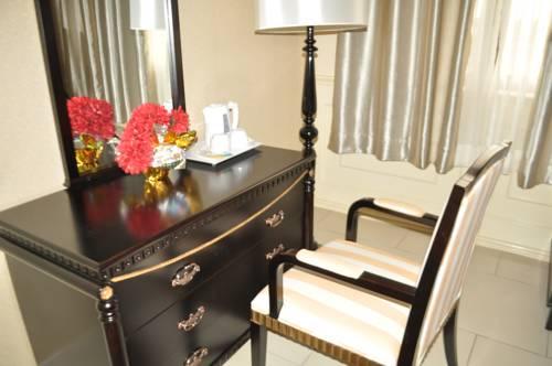 hotel Le Royal Heliconia Bongoville