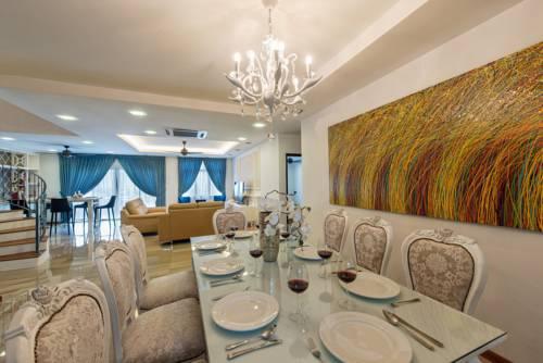 hotel LSE @ Palm Garden Condominium