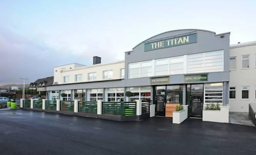 hotel The Titan