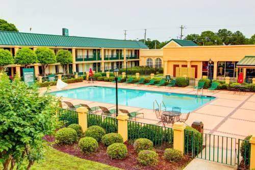 hotel Quality Inn - Richmond Hill