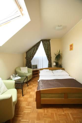 hotel Zajazd Azyl Inn