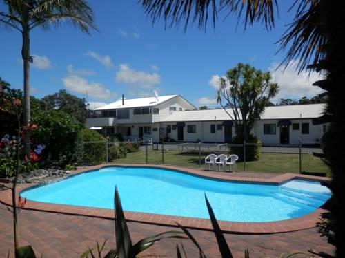 hotel Pukenui Lodge Motel & Backpackers