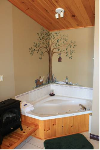 hotel Cavendish Bosom Buddies Cottages & Suites