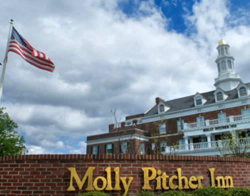 hotel Molly Pitcher Inn