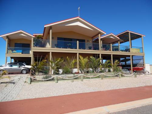 hotel On the Deck @ Shark Bay