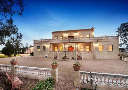 hotel Villa Tuscany Melbourne