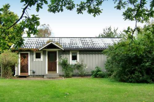 hotel Three-Bedroom Holiday home in Haverdal 1
