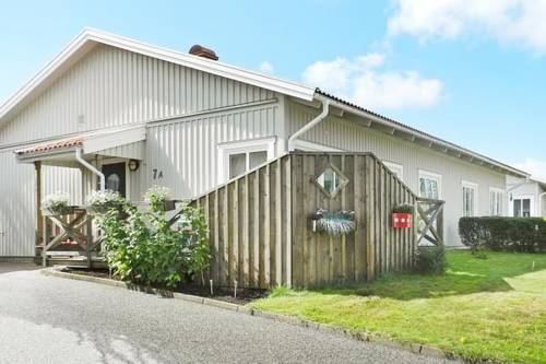 hotel Two-Bedroom Holiday home in Hunnebostrand 3