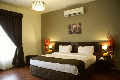hotel Weekend Hotel & Apartments