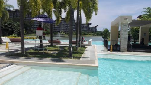 hotel Lagoon View Condominium at Mount Pico de Loro and Hamilo Coast