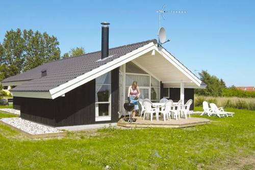 hotel Three-Bedroom Holiday home in Jægerspris 1