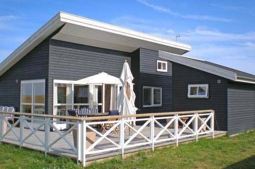 hotel One-Bedroom Holiday home in Gudhjem 4