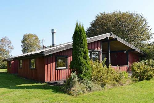 hotel Three-Bedroom Holiday home in Haverdal 2