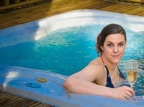 hotel RiverBeds Lodges with Hot Tubs