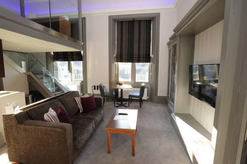 hotel Court Residence