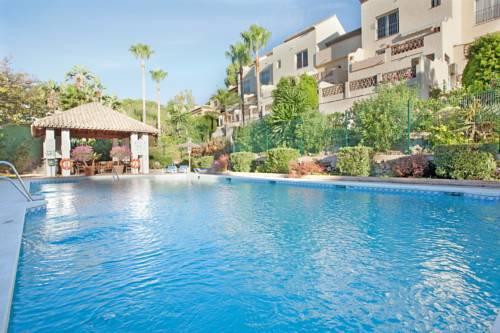 hotel Apartment Pinos De Aloha