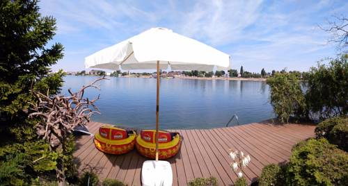 hotel TopSenec-Lakeside Home