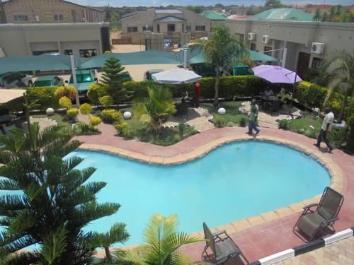 hotel Nomads Court - Mass Media