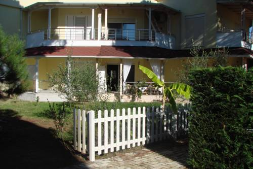 hotel Cozy Beach House, Lalzi Bay