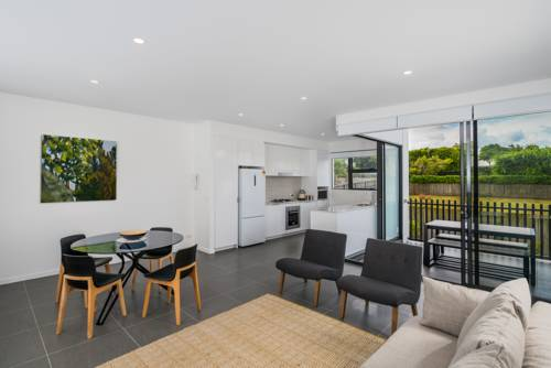 hotel O10B 2BR Bulimba - Uptown Apartments