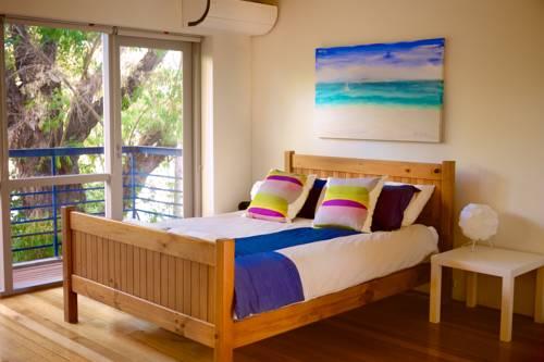 hotel Cottesloe Studio 105