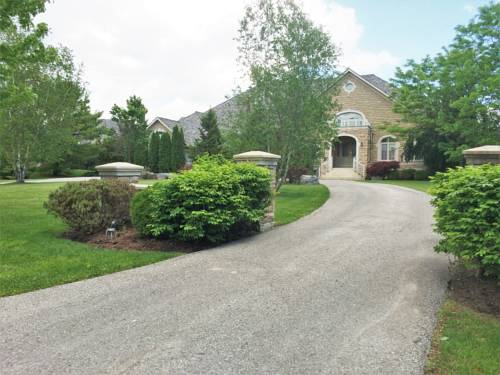 hotel Luxury Home in Beautiful 1.5 Acre Land