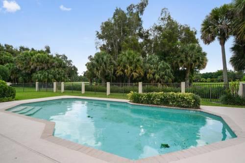 hotel 4 Bedroom Villa with Pool & Hot Tub