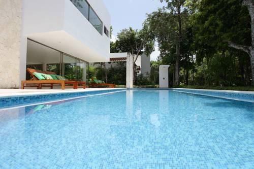 hotel Bahia Principe Vacation Rentals - Three-Bedroom House