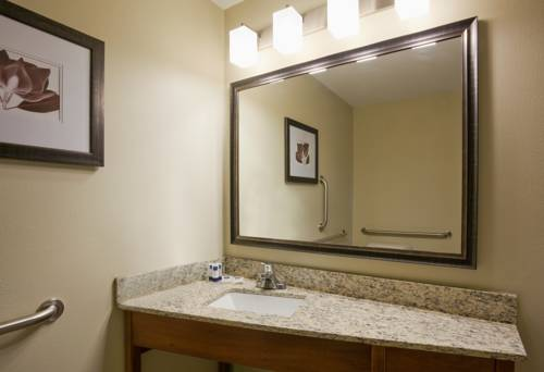 hotel AmericInn Hartford