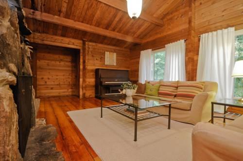 hotel Log Cabin