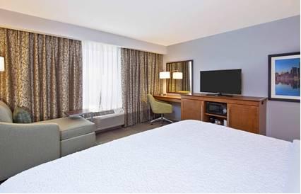 hotel Hampton Inn & Suites-Hudson Wisconsin