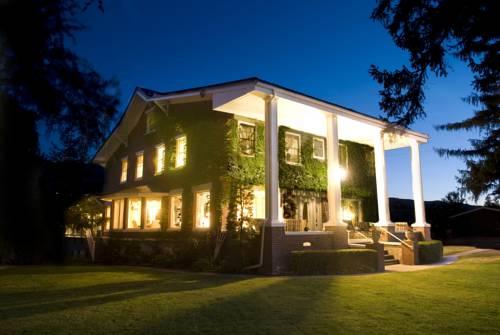 hotel Warm Springs Inn & Winery