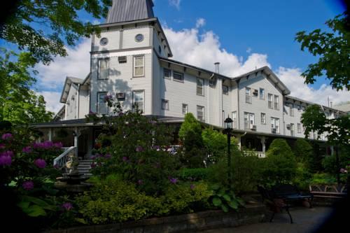 hotel Riverside: The Inn at Cambridge Springs
