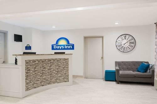 hotel Days Inn & Suites Sellersburg