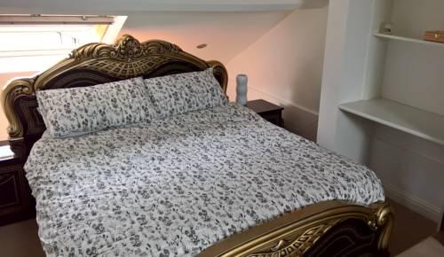 hotel Taplin Road Hillsborough Apartment