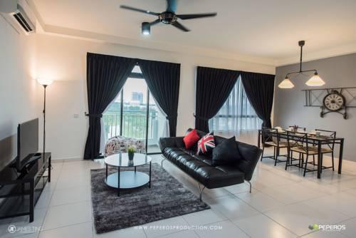 hotel Kitolo R003 # Sky View @ 1 Bukit Indah (Legoland), Malaysia