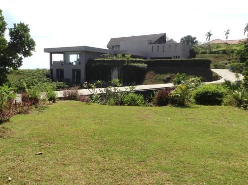 hotel SELMI's White Monkey Villa