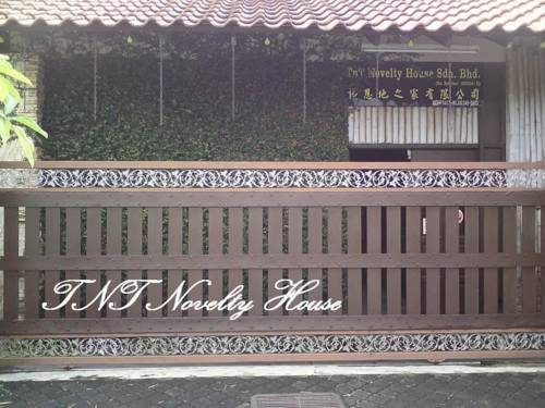 hotel TnT Novelty House