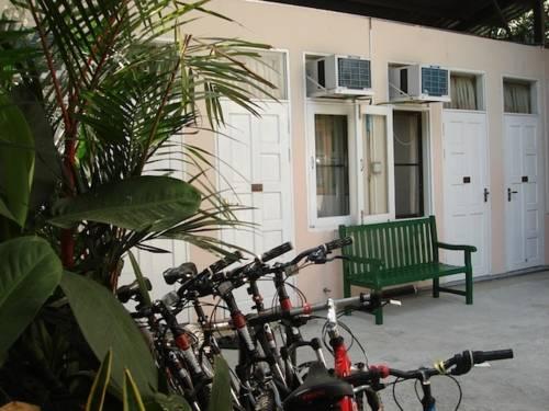 hotel Bike World Myanmar Bed, Breakfast and Bike