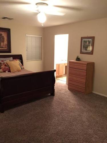 hotel Desert Charmer 3 Bed 2 Bath with Private Enclosed Backyard