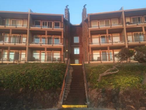 hotel Cavalier Beachfront Condominiums