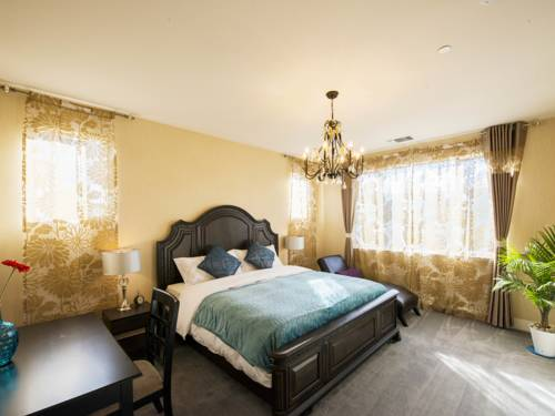 hotel Sunny and Spacious Home, Minutes to Ocean and SF! Home