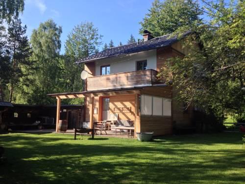 hotel Ferienhaus im Wald