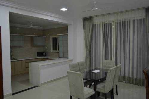 hotel 4 Seasons Serviced Apartment