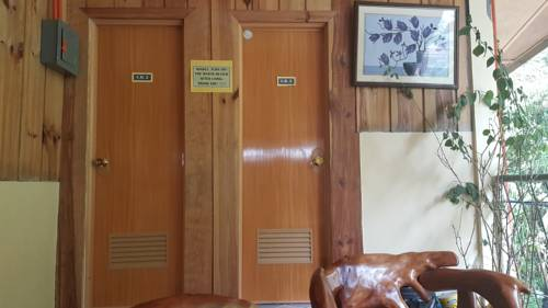 hotel 7th heaven Cafe & lodge