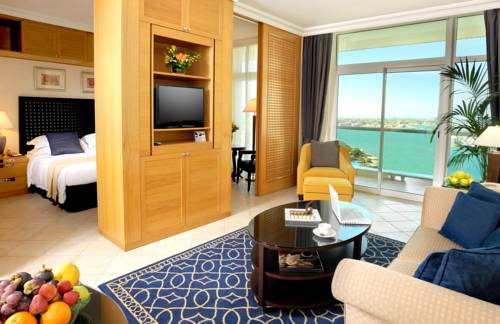 hotel Beach Rotana – All Suites