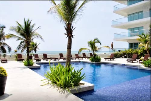 hotel RentaElite 2 BR Ocean Front