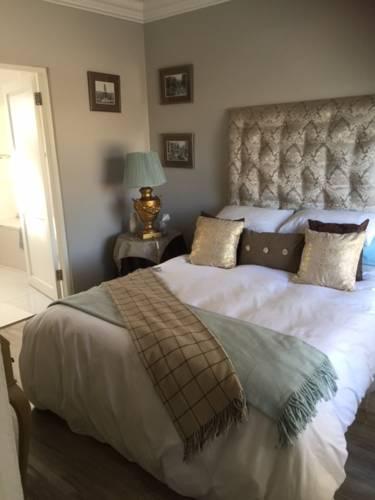 hotel Landsdowne Guest Suite